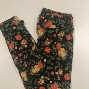 Pretty Floral Lularoe Legging TC